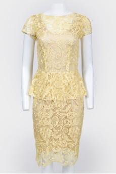 Платье желтое кружевное