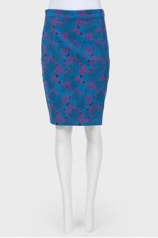 Синяя юбка-карандаш в цветочный розовый принт