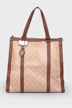 Коричневая сумка с кожаными вставками, на ручках