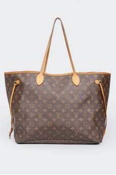 Большая кожаная сумка с фирменной расцветкой бренда