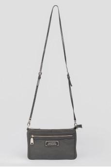 Черная кожаная сумочка на молниях