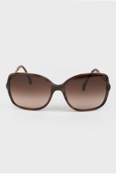 Солнцезащитные очки с неподвижной переносицей