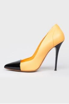Туфли с черным лаковым носком