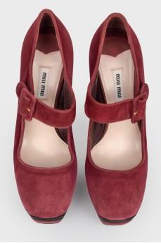 Туфли на высоком каблуке с квадратным носком