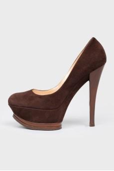 Замшевые туфли на высокой шпильке