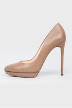 Коричневые кожаные туфли на шпильке