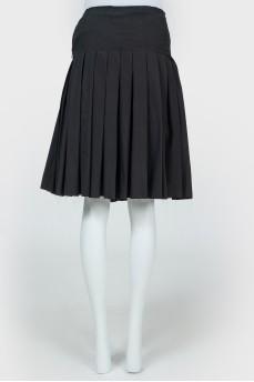 Черная юбка в складку