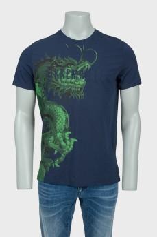 Темно-синяя мужская футболка с зеленым драконом