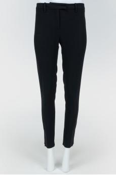 Черные брюки укороченные