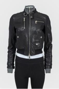 Кожаная куртка с текстильными вставками
