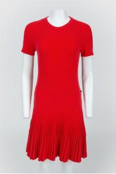 Красное платье с заниженной талией