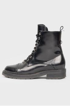 Черные кожаные ботинки на шнуровке и молнии