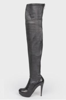 Черные кожаные сапоги на каблуке на молнии