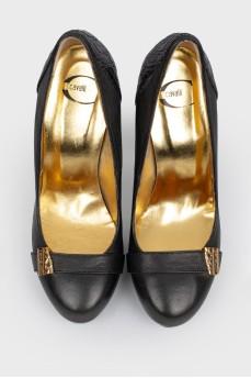 Кожаные туфли на высоком каблуке с тиснением под крокодила