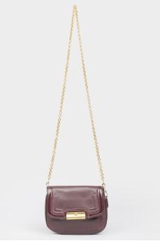 Фиолетовая сумочка с лакированными вставками