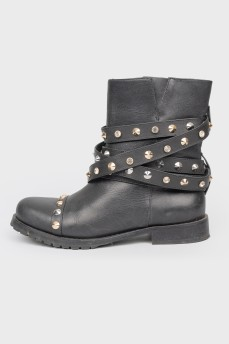 Ботинки с металлическими шипами