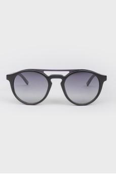 Солнцезащитные очки типа browline