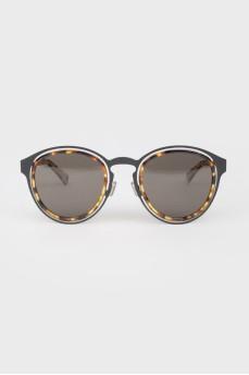 Солнцезащитные очки со сплошной черной тонировкой