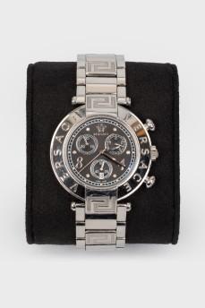 Металлические серебристые часы