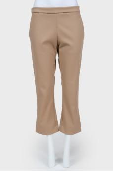 Плотные бежевые укороченные брюки