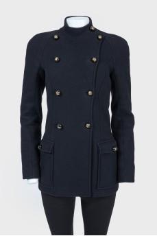 Черное приталенное короткое пальто