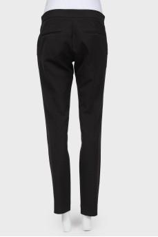 Черные брюки прямого кроя на молнии